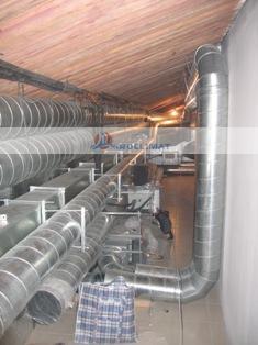 Монтаж воздуховодов в техническом помещении